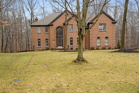 Photo of 10381 Hoover Woods Rd, Galena, OH 43021