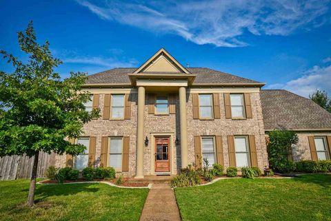 Photo of 1396 Hunters Mill Trl, Collierville, TN 38017