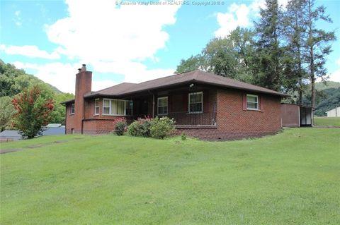 1010 Fayette Pike, Montgomery, WV 25136