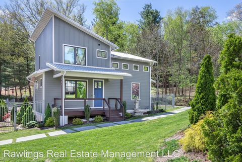 Photo of 405 Stratford Rd, Asheville, NC 28804