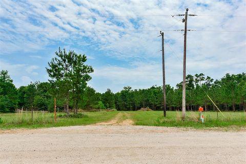 17860 Deer Way, Conroe, TX 77303