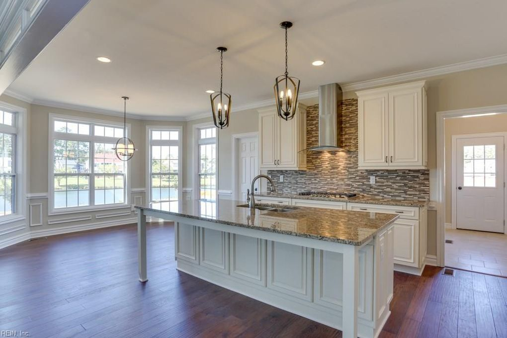 2424 Kestrel Ln, Virginia Beach, VA 23456
