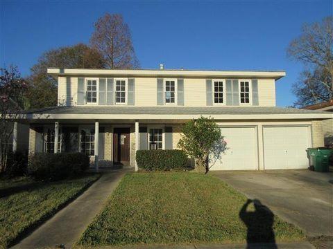 632 Oakwood Dr, Gretna, LA 70056