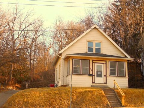 Photo of 1003 West Ave, Red Wing, MN 55066