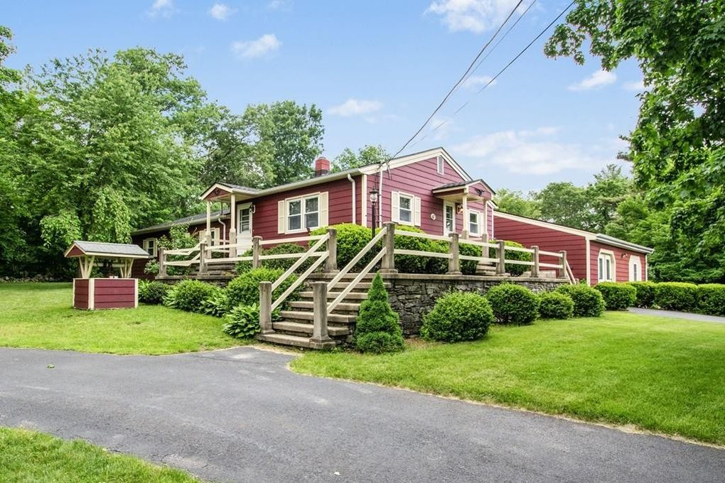 67 Old Bay Rd, Bolton, MA 01740