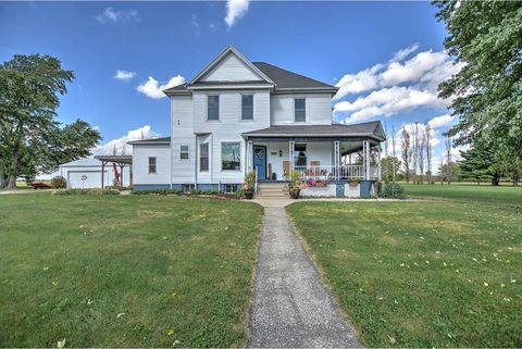 Photo of 14113 W Long Point Rd, Niantic, IL 62551