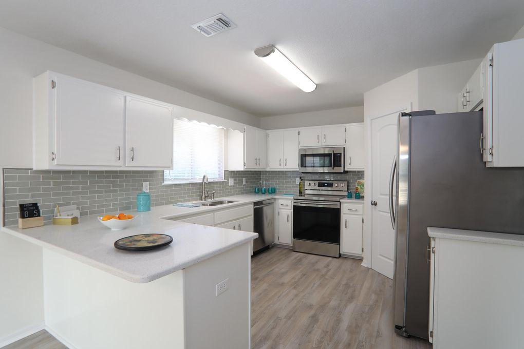 375 Brookwood Blvd, Mary Esther, FL 32569
