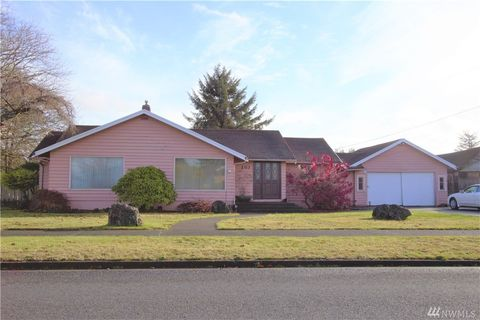 Photo of 203 G St, Cosmopolis, WA 98537
