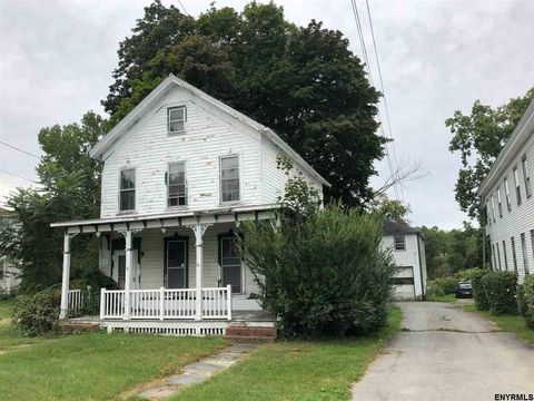 23 State St, Valley Falls, NY 12185