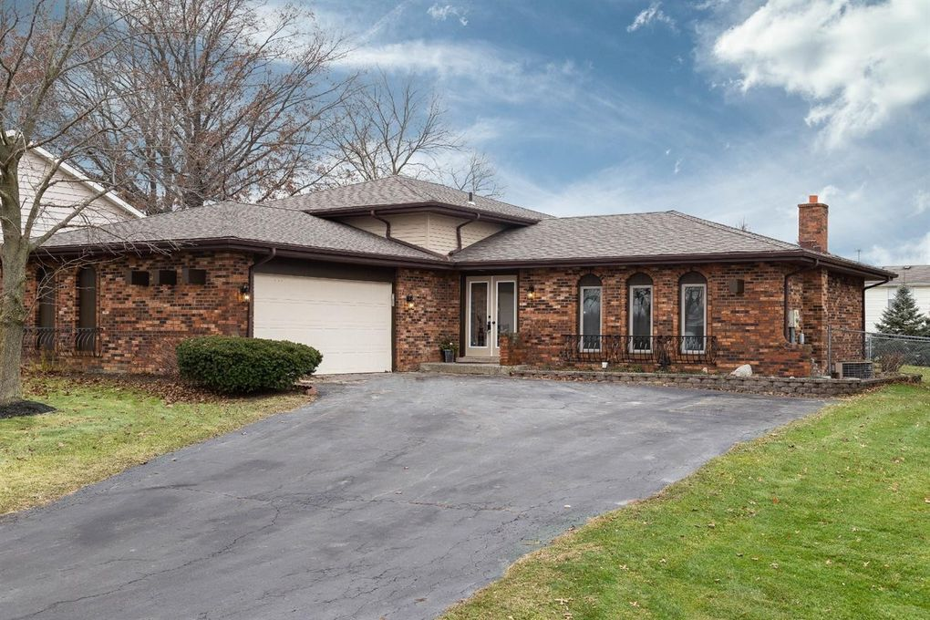 3946 S Lakeshore Dr Crown Point In 46307 Realtor Com