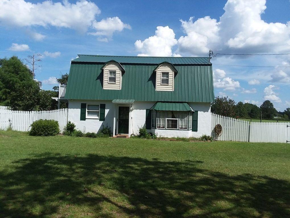 307 Oak Wood Cir Ne, Glennville, GA 30427