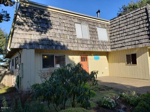 Photo of 111 Nw Trout St, Yachats, OR 97498