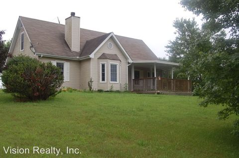 Photo of 4785 Chester Harris Rd, Woodlawn, TN 37191
