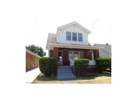 6819 Hampstead Ave, Parma, OH 44129