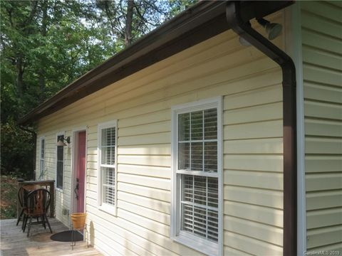 Photo of 6191 Tommys Trl, Connelly Springs, NC 28612