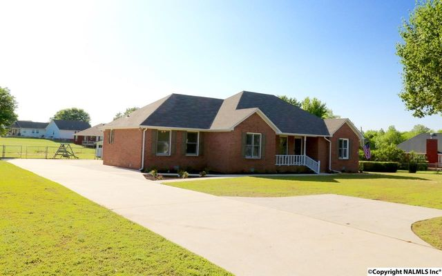 16099 Mooresville Rd, Athens, AL 35613
