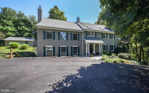Swell Newtown Pa Real Estate Newtown Homes For Sale Realtor Com Home Interior And Landscaping Pimpapssignezvosmurscom