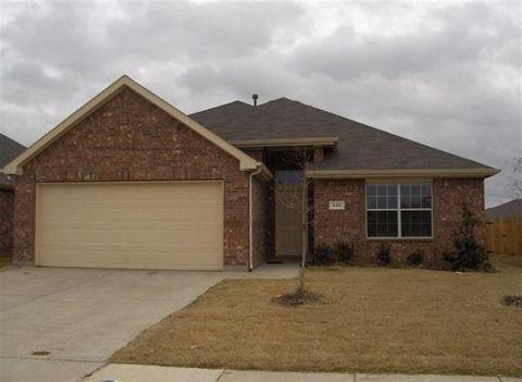 533 Creekbend, Crowley, TX 76036