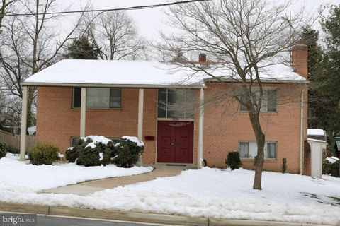 6302 Pontiac St, Berwyn Heights, MD 20740