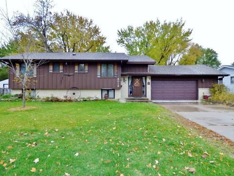 Photo of 3013 Thurber Rd, Brooklyn Center, MN 55429