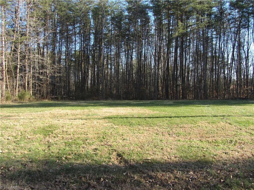 8317 Stafford Mill Rd Oak Ridge, NC 27310