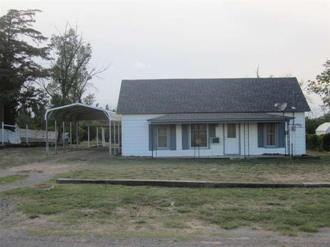 Photo of 316 Nw First St, Shattuck, OK 73858