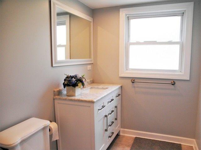 Bathroom Remodeling Joliet Il 1617 middletree rd, joliet, il 60433 - realtor®