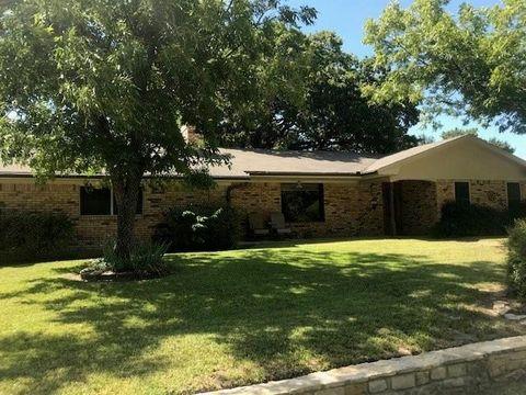 Photo of 202 Pine St, Hico, TX 76457