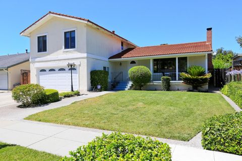 547 Jesse James Dr, San Jose, CA 95123