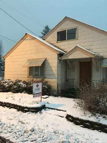 Photo of 816 Main St, Lyons, OR 97358