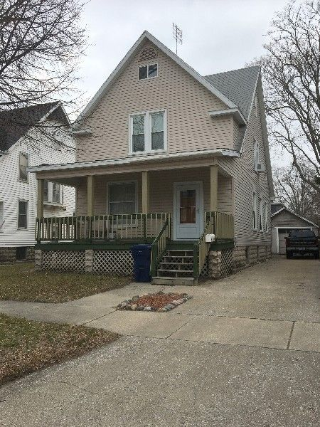 406 N Walnut St, Bay City, MI 48706