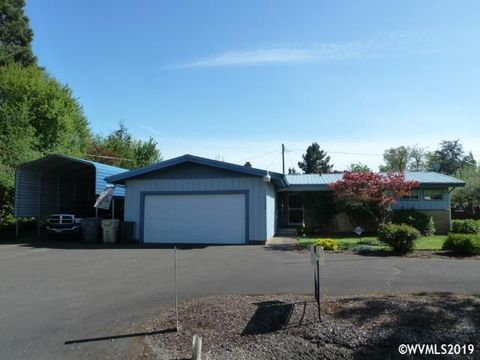 Photo of 5240 Sw Country Club Dr, Corvallis, OR 97333