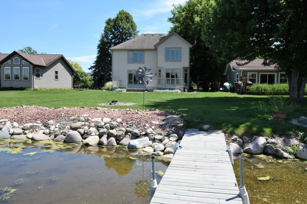 28908 Kramer Dr, Waterford, WI 53185