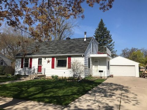Photo of 850 Marquette Ave, Green Bay, WI 54304