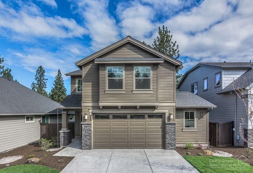 60444 Hedgewood Ln, Bend, OR 97702