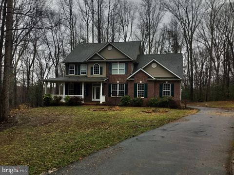 Photo of 6235 Trotters Glen Dr, Hughesville, MD 20637