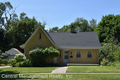 Photo of 1213 Leeper Ave, South Bend, IN 46617