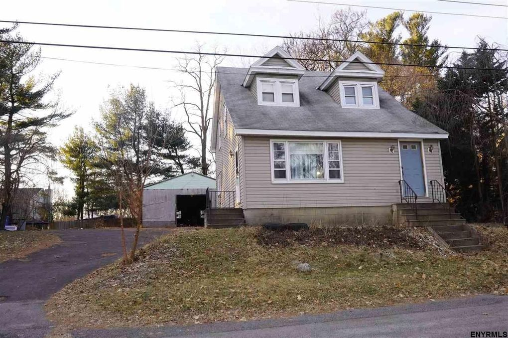 317 Stanford Ave, Schenectady, NY 12304