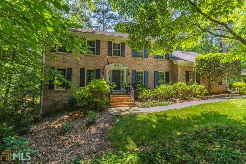 535 Lakemont Ct, Roswell, GA 30075