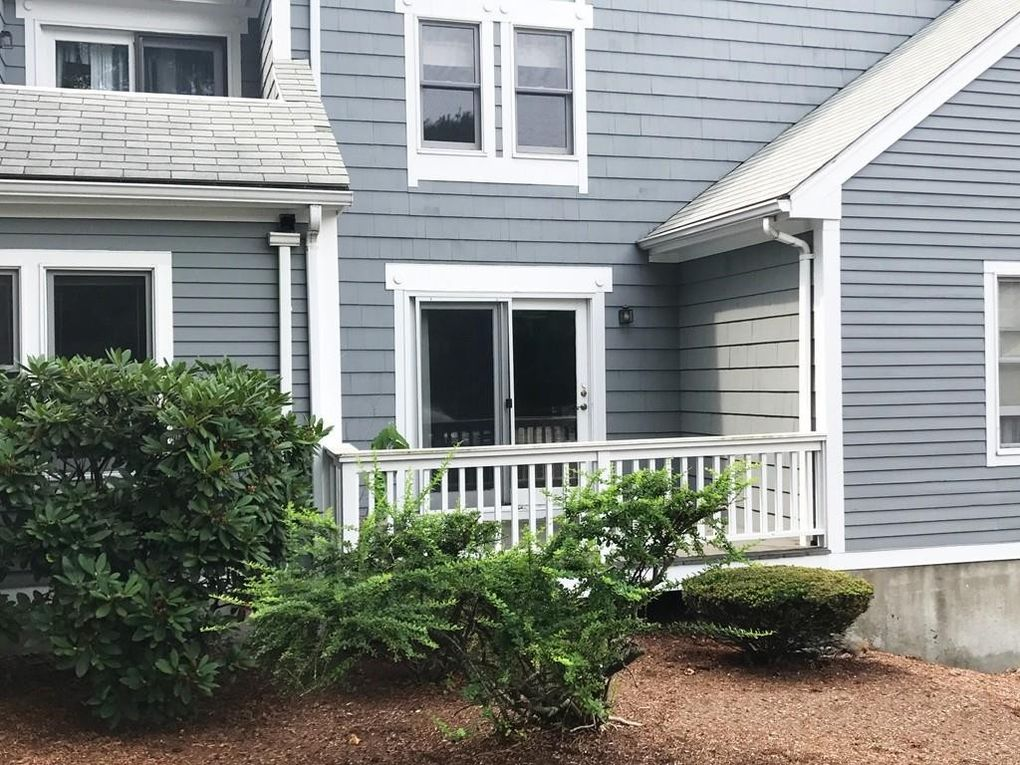 40 Fairway Ln Unit A2, Blackstone, MA 01504