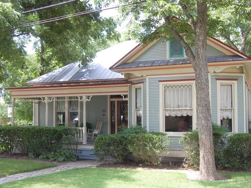 301 n rusk st fayetteville tx 78940 home for sale and