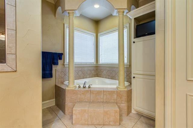 how to install tile in a bathroom 4011 tracy ln greenville tx 75402 realtor 174 26129