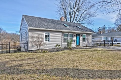 137 Bay State Rd, Worcester, MA 01606