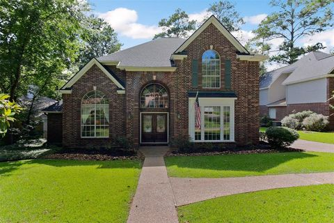 Photo of 108 Inverness Dr, Conroe, TX 77356