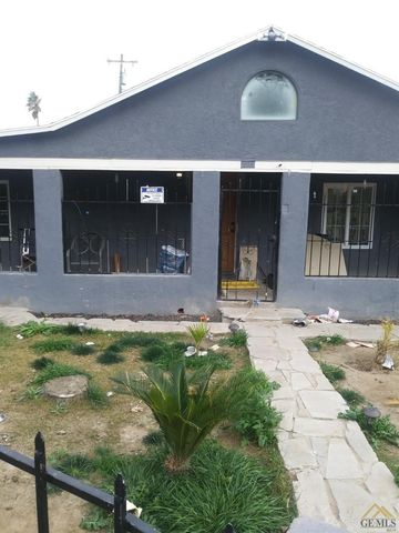 Photo of 2015 Gage St, Bakersfield, CA 93305