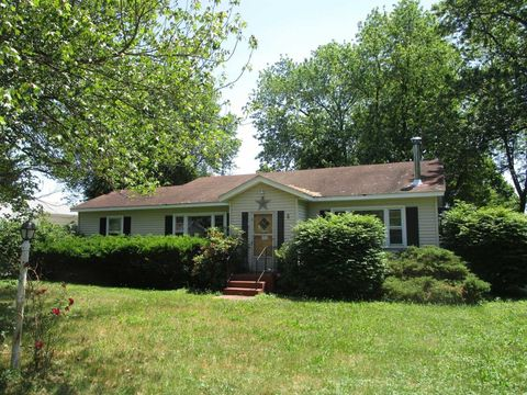 Photo of 8 Bethel Pl, Pine Plains, NY 12567