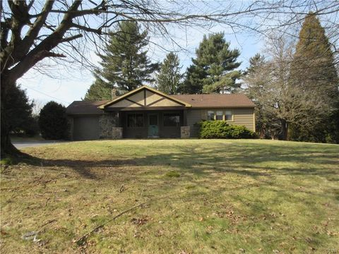 6702 Blue Church Rd S, Upper Saucon Township, PA 18036