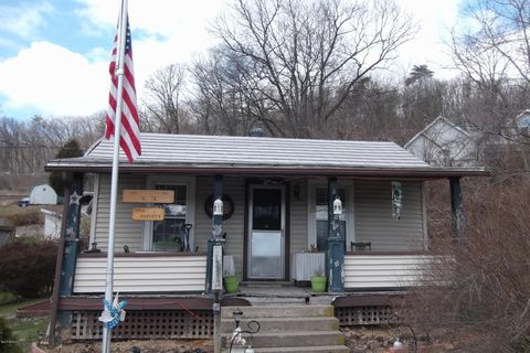 240 N Boiling Springs Ave, Yeagertown, PA 17099