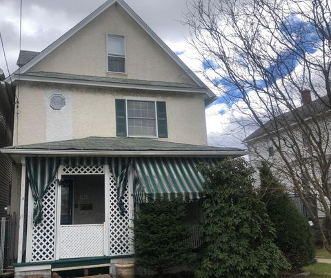 Photo of 852 N Bromley Ave, Scranton, PA 18504
