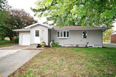 Photo of 200 Cleveland Ave Sw, Silver Lake, MN 55381